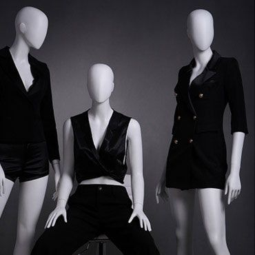 MANNEQUINS SHOPPING : DAMEN SCHAUFENSTERFIGUREN