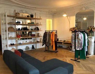 Progetto di arredo showroom Paris