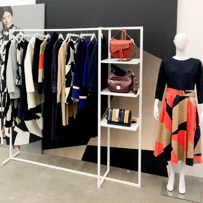 Image 2 : Portant vêtements extensible et ...