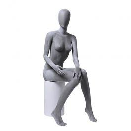 DAMEN SCHAUFENSTERFIGUREN - SCHAUFENSTERFIGUREN SITZEND : Damen grau sitzen schaufensterfiguren