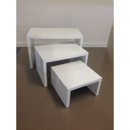 RETAIL DISPLAY FURNITURE - TABLES : Package deal small table white gloss