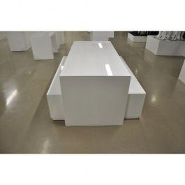 MATERIEL AGENCEMENT MAGASIN - PODIUM : Podium magasin en pyramide blanc brilant