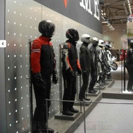 Vollbewegliche figuren Schwarz herren vollbewegliche figuren Mannequins vitrine